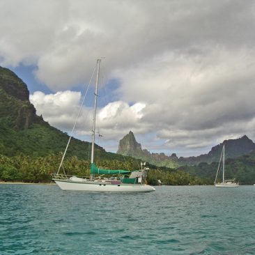 Shanachie anchored at Moorea